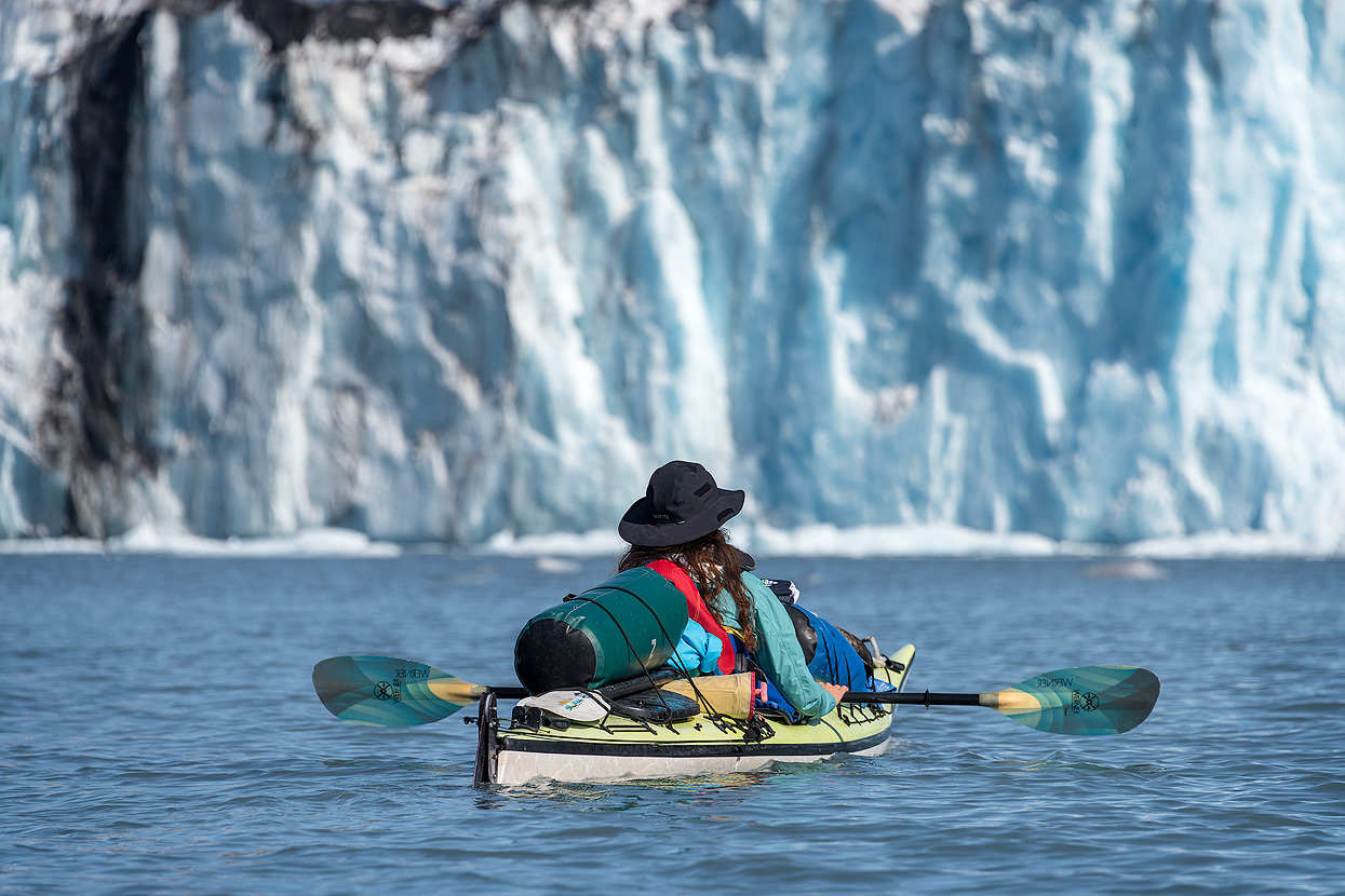 Experience the thunder of calving glaciers on a kayak expedition (Columbia Glacier, Prince William Sound)