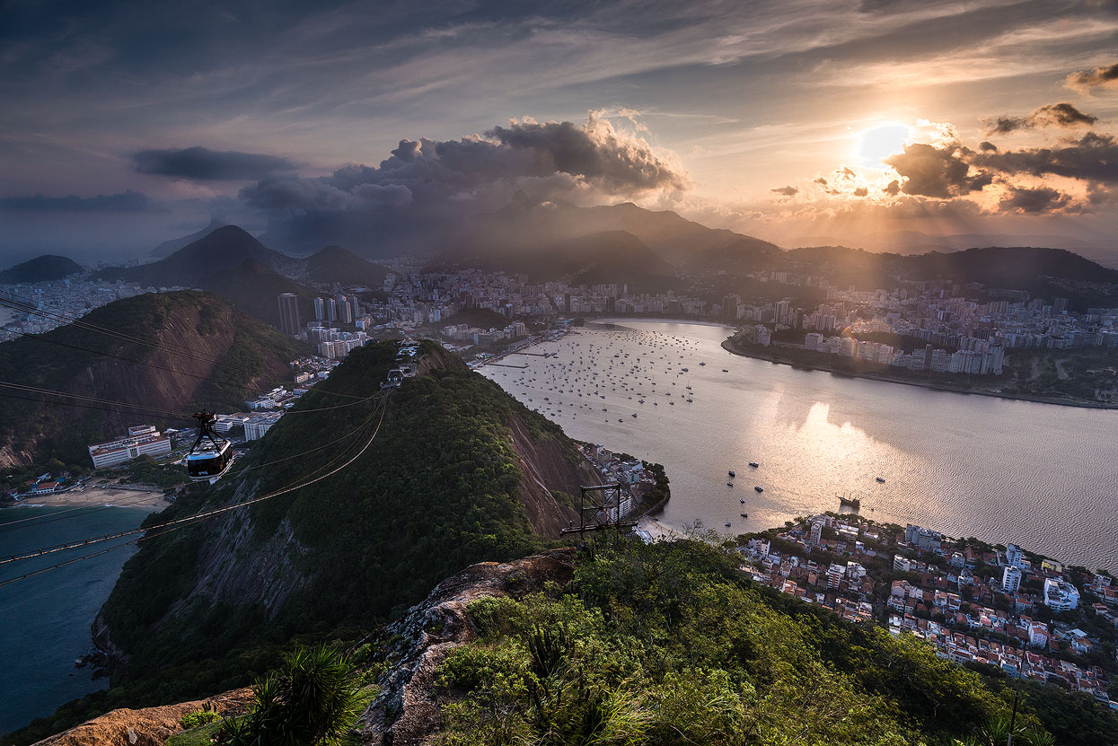 Stunning views atop Sugarloaf Mountain (Pão de Açúcar)