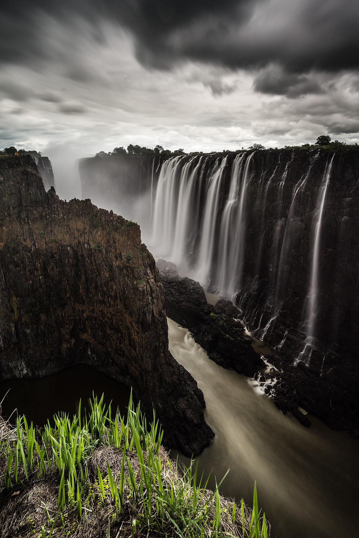 The bigger the better: Dramatic sky over Victoria Falls