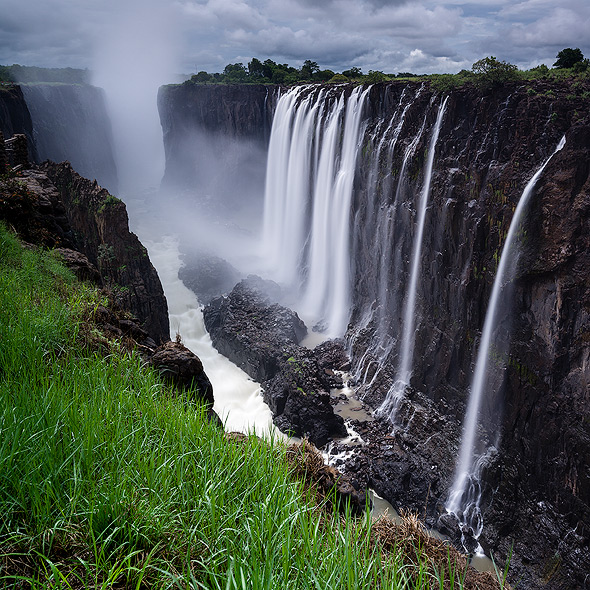 Amazing views of the falls from the Zambian side